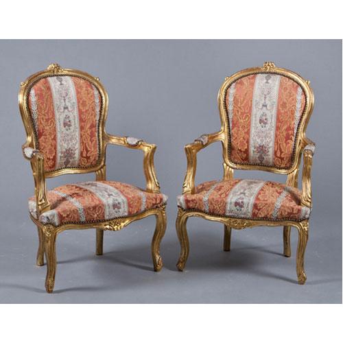 Abalarte subastas pareja de sillones estilo luis xv en for Sillones de estilo