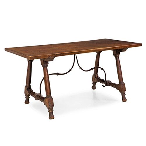 ABALARTE SUBASTAS - Mesa castellana antigua en madera de nogal con ...